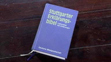 """Die """"Stuttgarter Erklärungsbibel"""""""